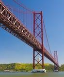 I 25 de Abril Bridge Fotografie Stock Libere da Diritti