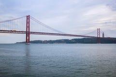 I 25 de Abril Bridge, Lisbona, Portogallo Immagine Stock Libera da Diritti
