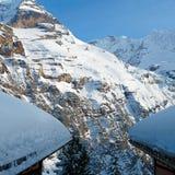 I de alpina bergen Arkivbilder