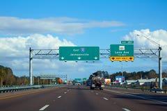 I-10 de um estado a outro em Jacksonville Florida EUA Fotografia de Stock Royalty Free