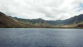 ` I del ila del ` de Kula en la isla de Oahu en makua del abejón de Hawaii almacen de metraje de vídeo