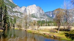 I den Yosemite dalen i Kalifornien Arkivbilder