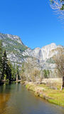 I den Yosemite dalen i Kalifornien Arkivfoto