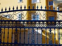 I dettagli degli elementi decorati del ferro battuto metal il portone Spagna Immagine Stock Libera da Diritti