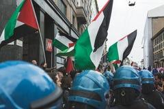 I dimostratori Pro-palestinesi contestano la brigata ebrea Fotografie Stock