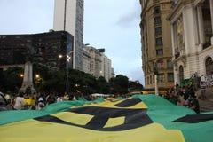 I dimostratori protestano a Rio del centro contro il governo di Rousseff Immagine Stock Libera da Diritti