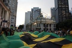 I dimostratori protestano a Rio del centro contro il governo di Rousseff Fotografie Stock