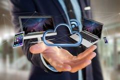 I dispositivi gradiscono lo smartphone, la compressa o il computer sorvolare il connecte Immagini Stock Libere da Diritti