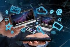 I dispositivi gradiscono lo smartphone, la compressa o il computer sorvolare il connecti Fotografie Stock Libere da Diritti
