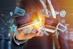I dispositivi gradiscono lo smartphone, la compressa o il computer sorvolare il connecti Immagine Stock Libera da Diritti