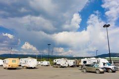 i Divertimento-cercatori hanno parcheggiato a whitehorse nei territori di Yukon Fotografie Stock Libere da Diritti