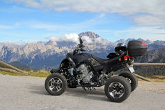 I dolomitesna i södra Tirol arkivbilder