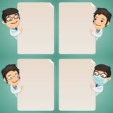 I dottori personaggi dei cartoni animati che esaminano l'insieme in bianco del manifesto royalty illustrazione gratis