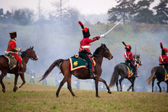 I fan della storia in costume militare rimettono in vigore la battaglia di tre imperatori Fotografie Stock Libere da Diritti