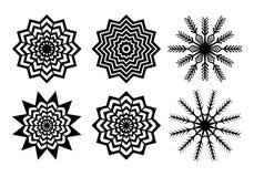 I fiocchi di neve di Natale cuted carta nera imballano isolato su fondo bianco royalty illustrazione gratis