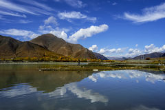 I fiumi del plateau nel Tibet Fotografie Stock