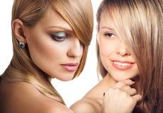 I fronti delle donne con pelle perfetta e compongono Fotografie Stock