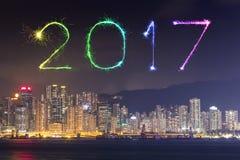 I fuochi d'artificio da 2017 buoni anni che celebrano sopra la città di Hong Kong Fotografia Stock