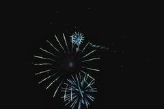 I fuochi d'artificio naturali brillanti gradiscono la ruota della bici Fotografia Stock