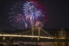 I fuochi d'artificio visualizzano a Londra, Regno Unito Fotografia Stock Libera da Diritti