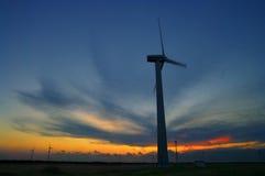 I generatori eolici hanno catturato vicino a capo Kaliakra, Bulgaria Immagini Stock Libere da Diritti