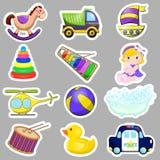 I giocattoli decorativi dei bambini messi del camion dell'elicottero della piramide dello xilofono dell'arcobaleno delle horse ba Immagini Stock Libere da Diritti