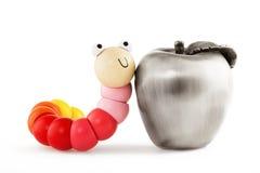 I giocattoli di legno del bambino worm e mela isolata su bianco Immagini Stock Libere da Diritti