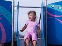 I giochi da bambini sul campo da giuoco Fotografie Stock Libere da Diritti