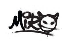 I graffiti etichettano il miro spruzzato con la perdita nel nero su bianco Fotografia Stock