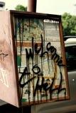 I graffiti si avvicinano al monumento di democrazia Fotografie Stock