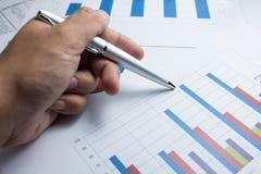 I grafici finanziari diagram per l'affare del lavoro ed economico immagini stock libere da diritti