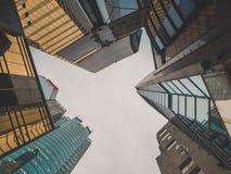 I grattacieli osservano da terra Fotografia Stock Libera da Diritti