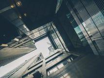 I grattacieli osservano da terra Fotografia Stock