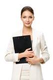 I halvfigur stående av affärskvinnan med mappen royaltyfri foto