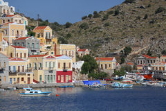 I hamnen av Symi Grekland Royaltyfria Bilder