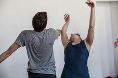 i handdancers di ballo improvvisano sul contatto dei ballerini dell'inceppamento Immagine Stock Libera da Diritti