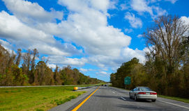 I-10 i Florida USA med trafikbilar Royaltyfri Bild
