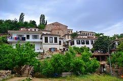 By i Izmir Turkiet Sirince arkivbilder
