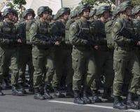 I Kiev på den Khreshchatyk militären ståta Arkivbild