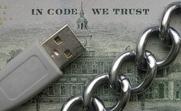 I kod litar på vi Blockchain crypto teknologiprincip royaltyfri fotografi