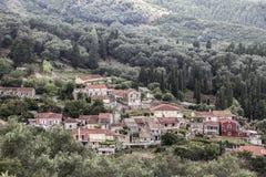 By i Korfu Arkivfoton