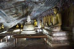 In i kungliga personen vagga templet, Dambulla, Sri Lanka Royaltyfria Bilder