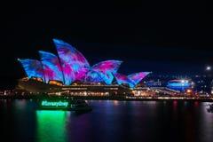` I Liebe Sydney-` bei klarem Sydney Festival vor Opernhaus lizenzfreie stockfotos