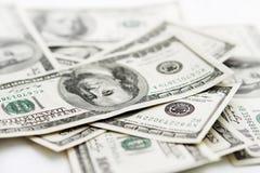 I lotti dei fondi U.S.A. di cento banconote del dollaro Immagini Stock Libere da Diritti