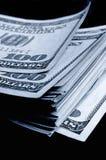 I lotti di cento delle banconote in dollari Immagini Stock Libere da Diritti