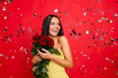 I ` m de gelukkigste vrouw in de wereld! Portret van vrolijke deligh Royalty-vrije Stock Afbeeldingen