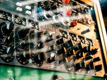 I macro dettagli del primo piano di Burl Studio controllano l'audio monitor Fotografia Stock