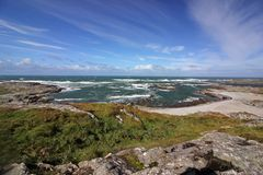 I mari tempestosi a MOR del porto abbaiano, isola di Colonsay, Scozia Immagini Stock