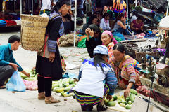 I marknaden av Vietnam Royaltyfri Bild