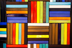 I mattoni variopinti decorano sulla parete Fotografia Stock